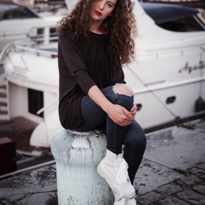 SARA VICTORIA